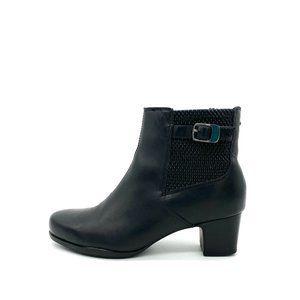 CLARKS Leather Rosalyn Lara Booties #1045